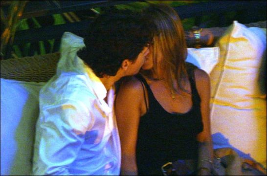 jennifer-aniston-and-john-mayer-kiss-758818
