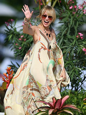 Nicole Richie enters the set of Live with Regis and Kelly in Miami. She was there to introduce her jewelry line House of Harlow 1960.