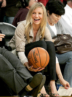 Cameron Diaz makes it to the Lakers and Rockets game in LA on Wednesday.
