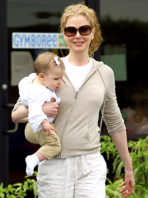 Nicole Kidman caught with her cute little daughter Sunday Rose while playing at Gymboree in Nashville.