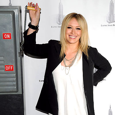 Hilary Duff ignites the Empire State Building on Thursday at the 24th Annual AIDS Walk New York's opening ceremony, which supported the Gay Men's Health Crisis.