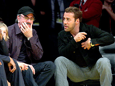 Looks like Jeremy Piven is talking Neil Diamond's ear off at the Lakers/Rockets game at the Staples Center in LA.