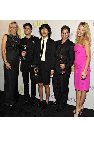 adja Swarovski, in Alexander McQueen; Swarovski Award winners Justin Giunta, Alexander Wang, and Tim Hamilton; and Blake Lively, in Michael Kors.