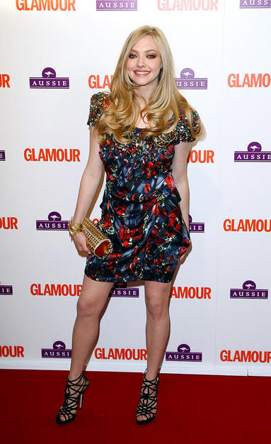Mamma Mia! Star Amanda Seyfriend surprised us looking incredible in this Peter Pilotto frock and gladiator heels. She attended the Glamour Women of the Year event and proved that she is one.