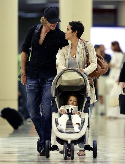One Happy Family! Halle, Aubry and Nahla depart from Los Angeles.