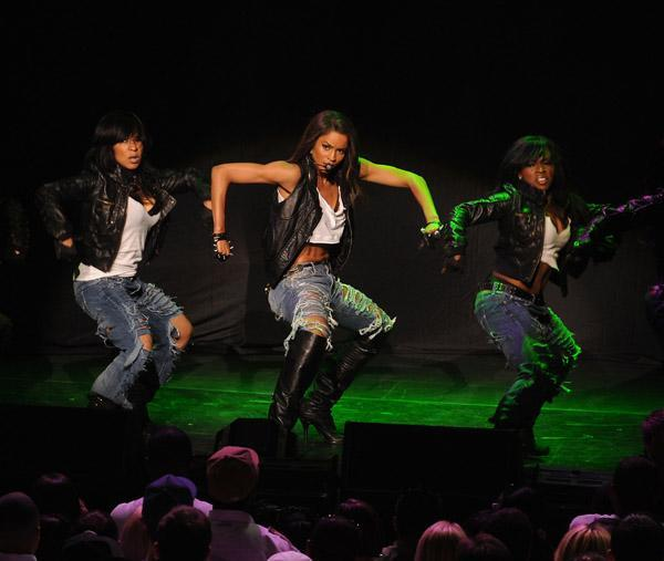Ciara gets loose in Vegas. She performed with Jay-Z on Thursday at the Palms and then Friday at Pearl.