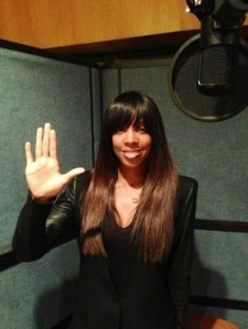 Kelly Rowland supporting the #LHandSign campaign to raise awareness of lupus! http://www.hibbslupustrust.org/lhandsign-awareness-campaign/
