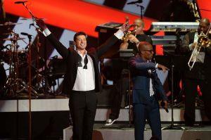 Robin Thicke and T.I. perform at Grammy Noms Concert.
