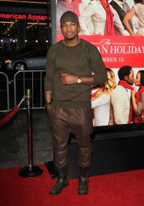 Maybe this outfit just didn't photograph well,but NeYo could've opted for a nice suit.