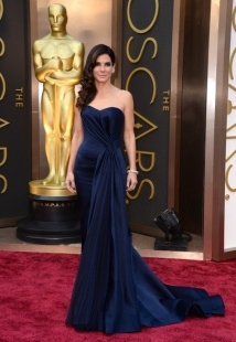 BEST DRESSED OF THE EVENING! Sandra Bullock in Alexander McQueen